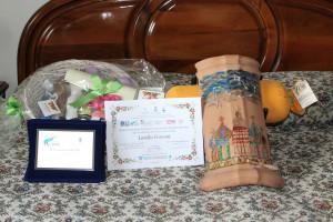2° premio: Opera e regali.